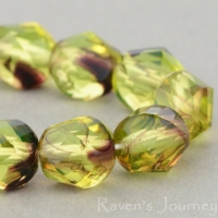 Spiral Faceted Round (8mm) Uranium Purple Stripe Transparent
