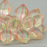 Spade (11x8mm) Crystal Red Green Stripe Transparent