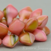 Spade (11x8mm) Pink Olivine Mix Opaque Silk