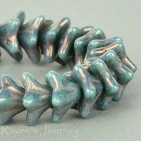 5 Point Bellflower (6x9mm) Turquoise Opaque with Purple Luster