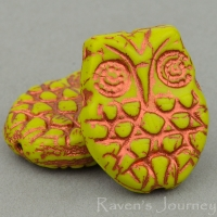 Horned Owl (18x15mm) Green Gaspeite Opaque with Copper Wash