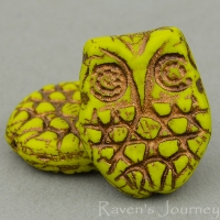 Horned Owl (18x15mm) Green Gaspeite Opaque with Bronze Wash