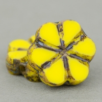 Small Flower (10mm) Yellow Lemon Opaque with Picasso