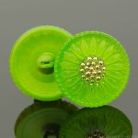 (18mm) Round Sunflower Button Gaspeite Green with Gold Paint
